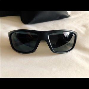 NIB Sunglasses Hut MatteBlack/GreyPolar Sunglasses